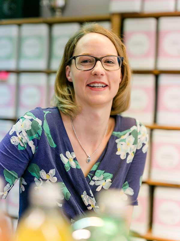 Julia Poetsch, Marketing und Kommunikation Evas Teeplantage
